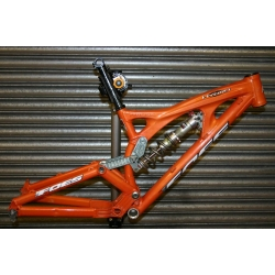 Ex-Demo Foes Hydro Frame - M Orange